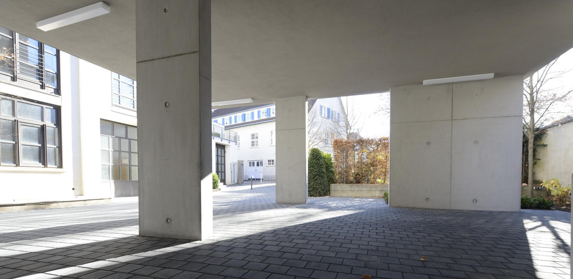 https://www.jentz-bau.de/media/pages/projekte/kmu-loft-wohn-geschaeftshaus/325179634-1610106575/slider.png
