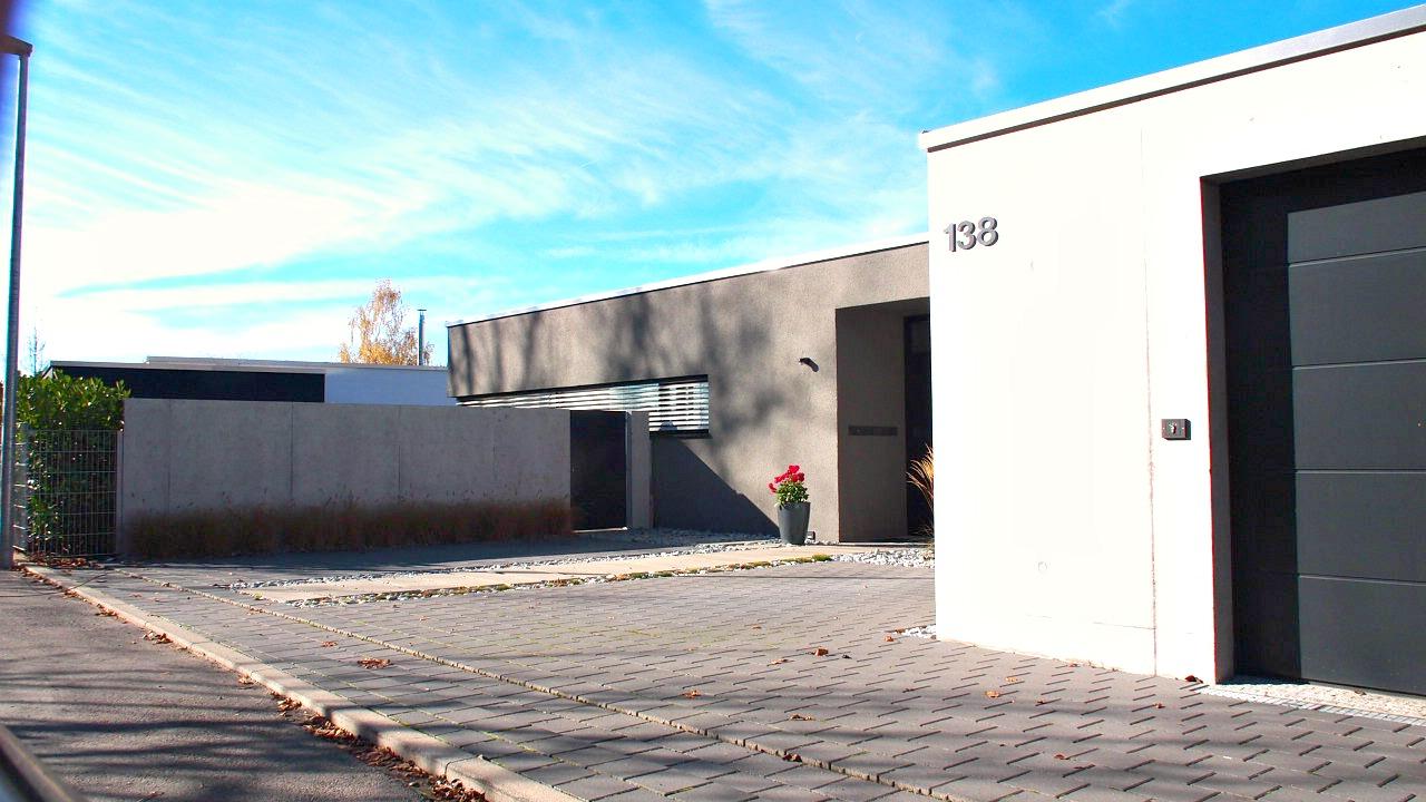 https://www.jentz-bau.de/media/pages/projekte/wohnhaus-loewen-an-der-achalm/1725392036-1605622400/1.png